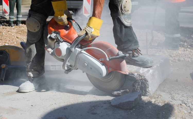 How To Minimise Dust When Sawing Concrete?